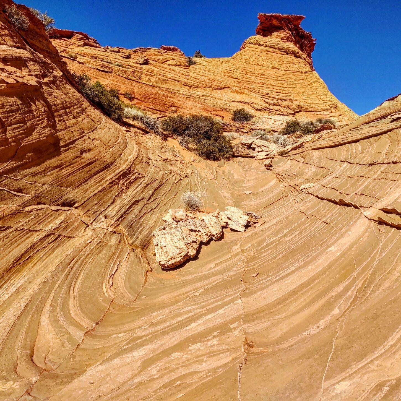 Crashing sandstone wave